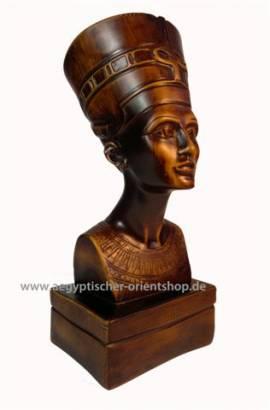 Ägyptische Büste Nofretete - Bild vergrößern
