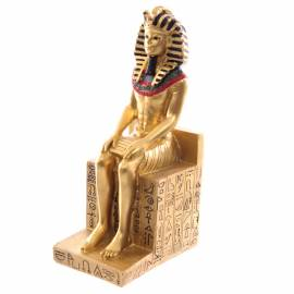 Rameses II auf Thron